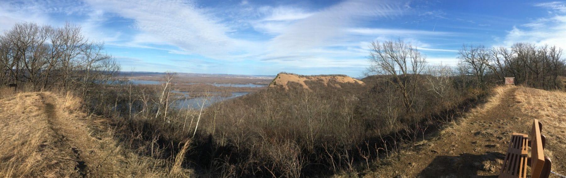 Hiking Kings bluff trail